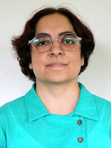 Dr  RICHA
